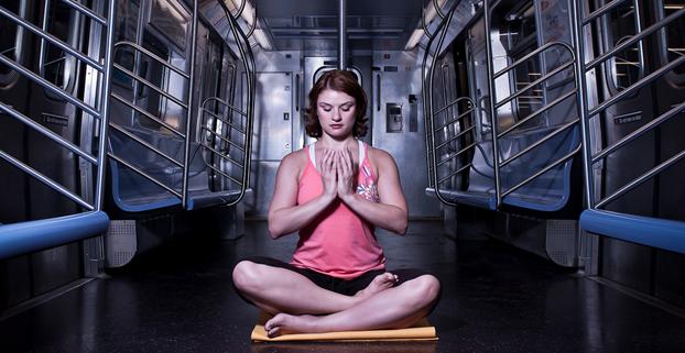 yoga-subway-kjartan-clausen