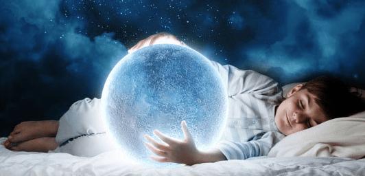 kid dreaming moon .png